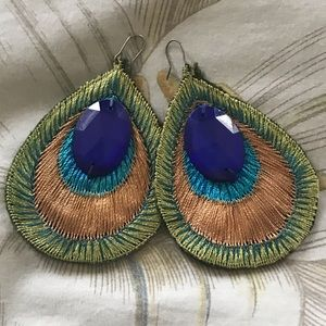 *Large* Vintage embroidered peacock earrings 🦚
